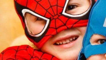 Top 5 des peignoirs super-héros pour enfants